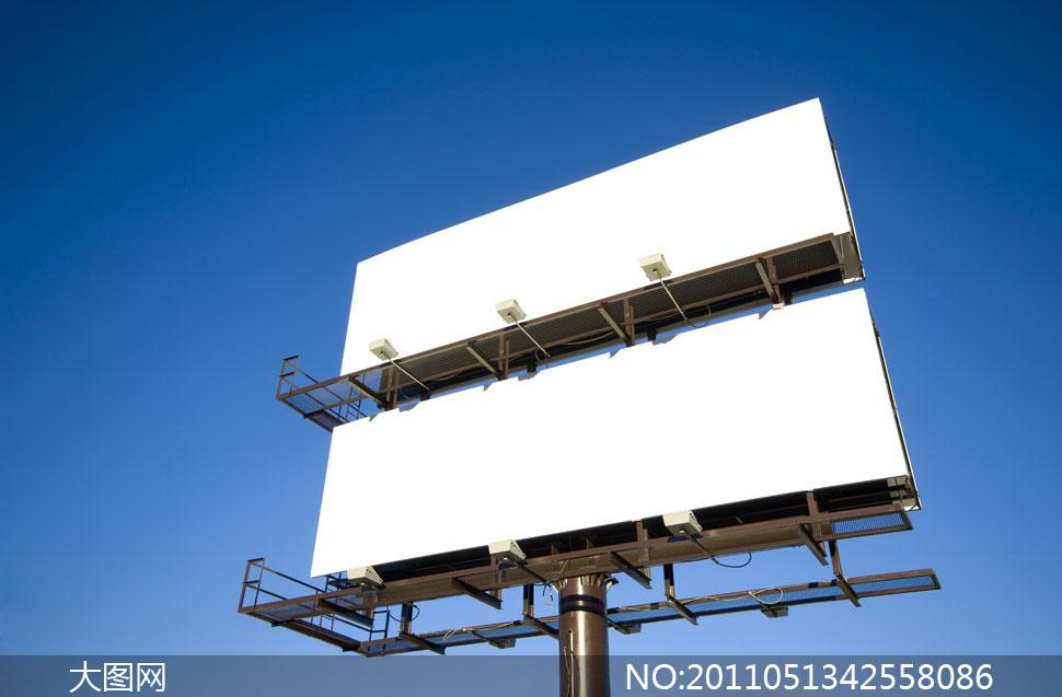 室外空白广告牌设计图片