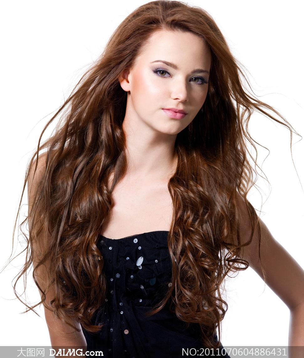 关键词: 摄影图片大图素材高清人物美女发型头发长发女人女性秀发正面