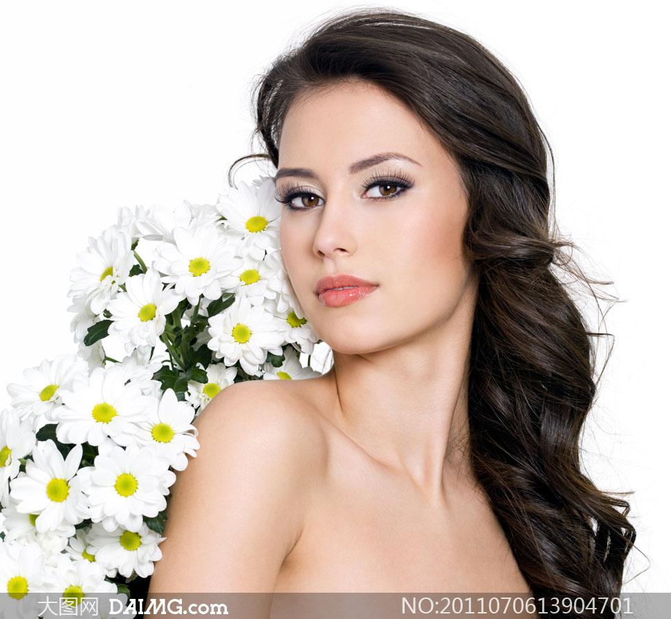 美女发型头发长发女人女性秀发正面国外外国美发靓丽