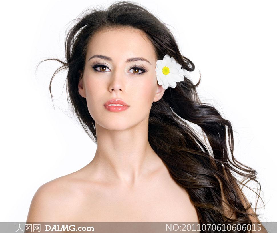 白色花朵与长发美女高清摄影图片 大图网设计