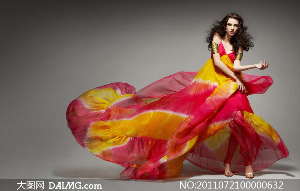 飘逸的红裙美女高清图片 大图网设计素材下载