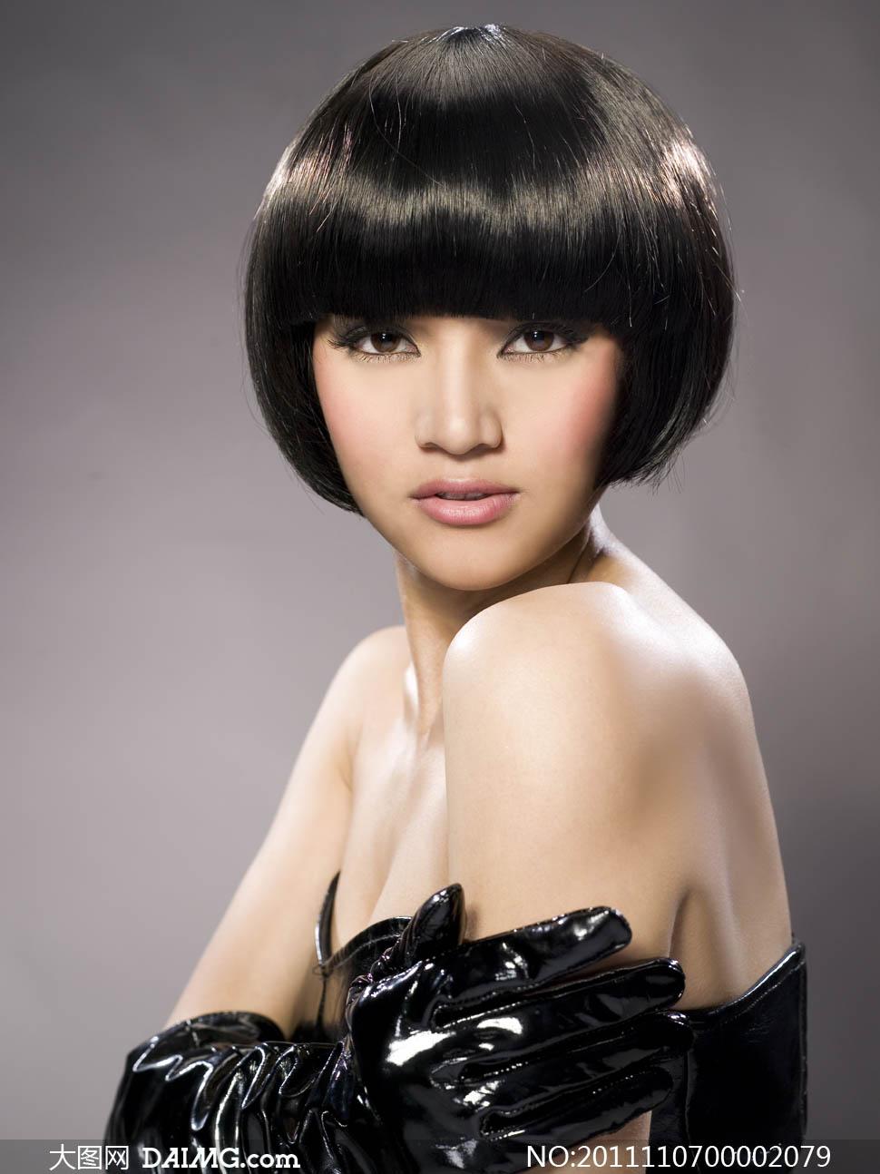 关键词: 发型美发理发店烫染造型沙宣发型模特美女模特短发头发性感