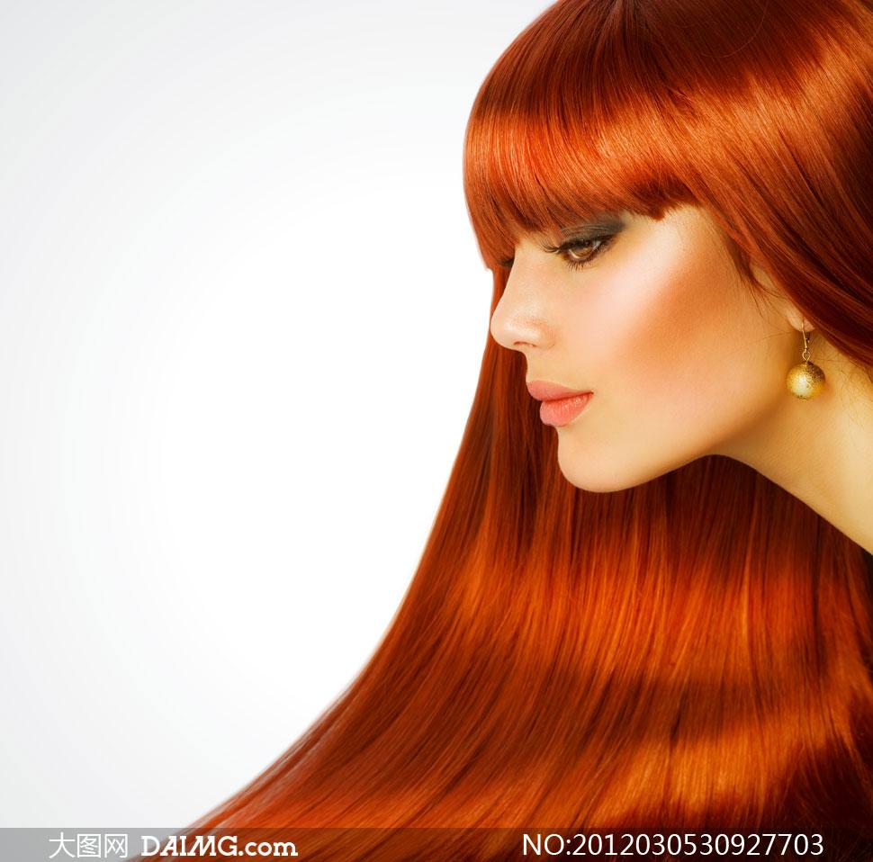 红棕色长发外国美女人物高清摄影图片