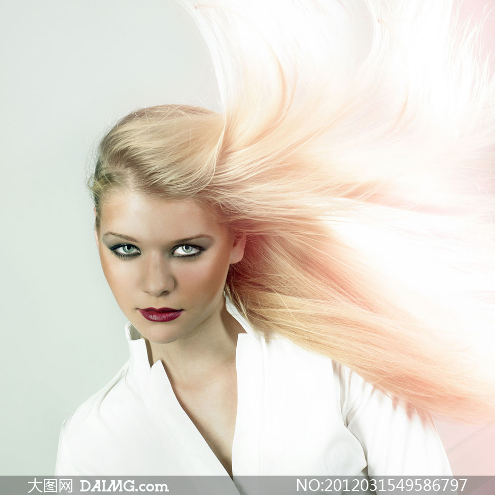 关键词: 高清摄影图片大图素材人物美女女人头发发型长发美发飘逸红唇