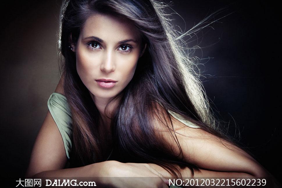 柔顺亮泽飘逸长发美女人物摄影高清图片