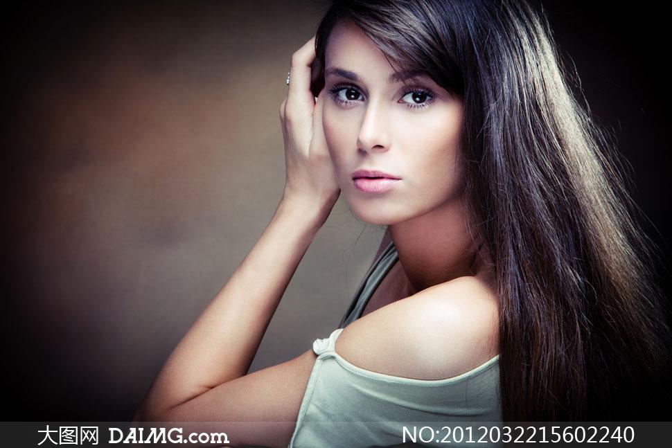 柔顺亮泽黑色秀发美女人物摄影高清图片 大图