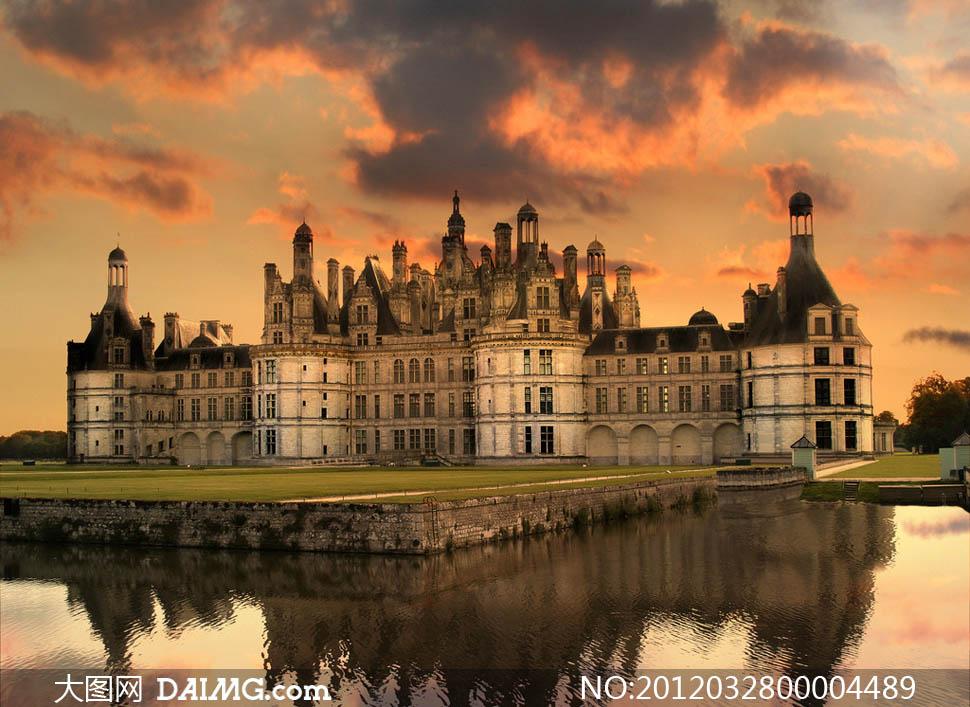 关键词: 城堡宫殿城堡建筑宫殿皇宫国外建筑旅游建筑物欧式欧洲湖面图片