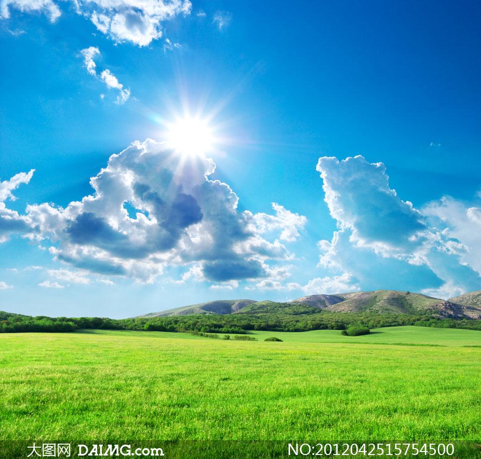 蓝天白云阳光山坡风景摄影高清图片