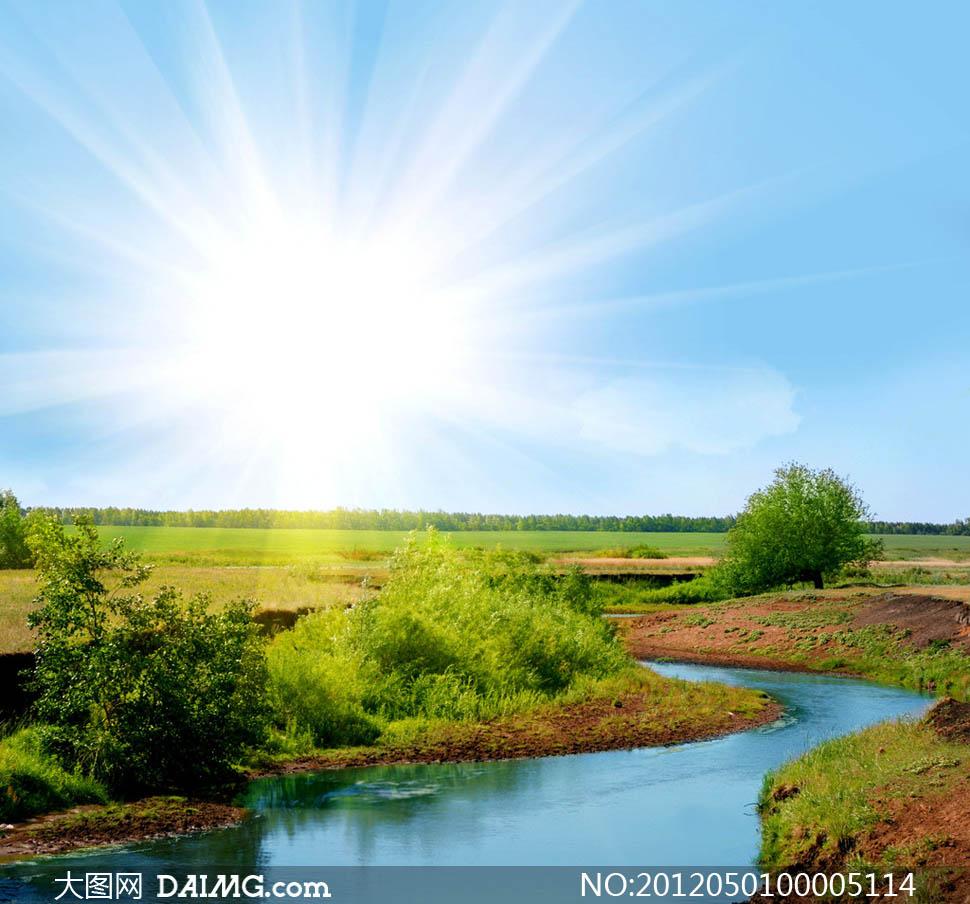 关键词: 阳光广西那蓝天天空白云阳光绿野树木树林丛林河流河水绿色