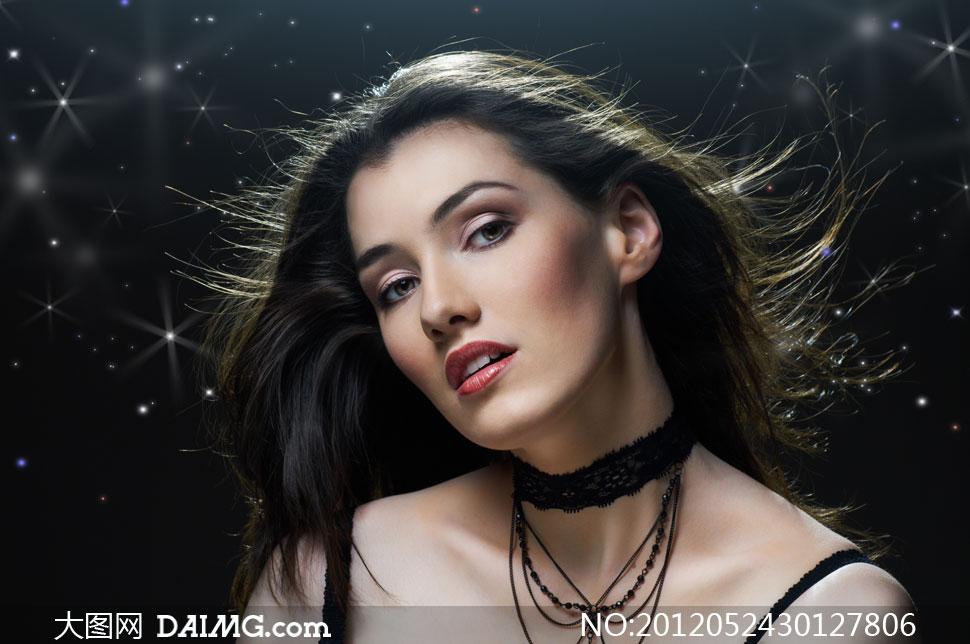 外国长发吊带美女人物摄影高清图片下载