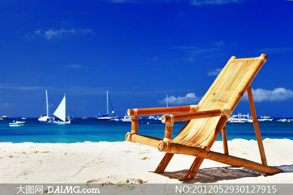 长滩岛海滩上的躺椅摄影高清图片