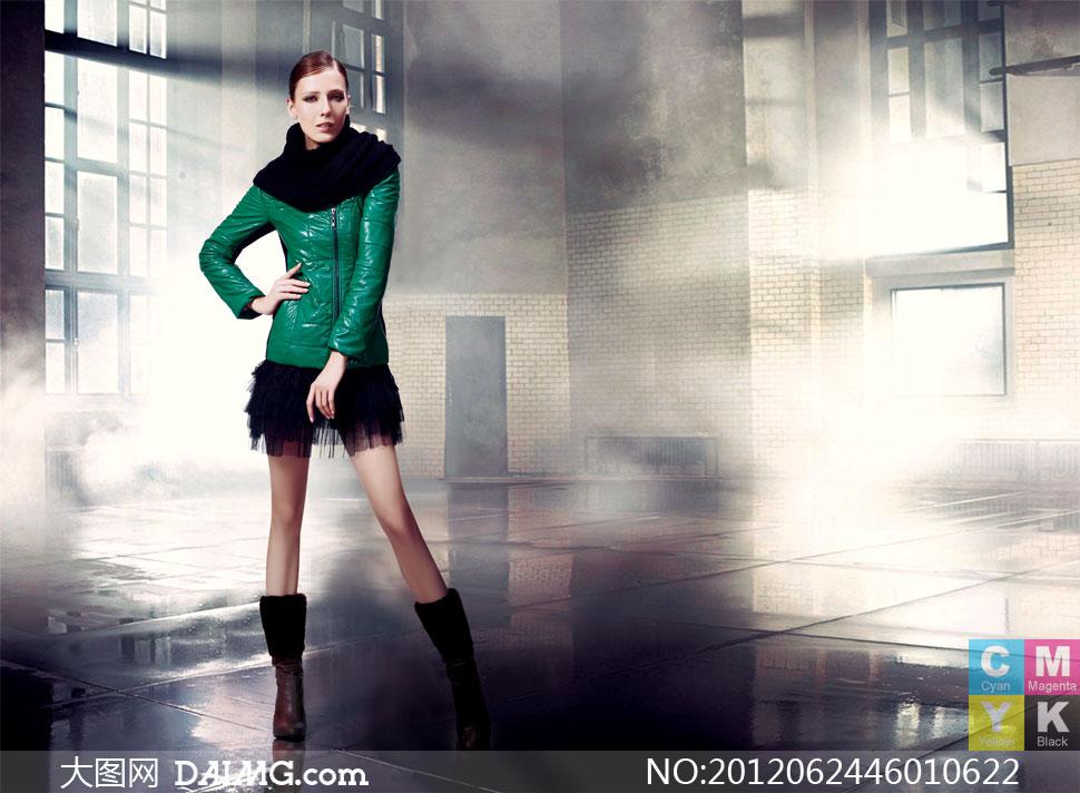 美女服装服饰时装写真模特女装冬装绿色美腿长腿皮靴
