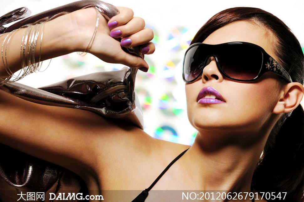 素材人物美女写真模特长发秀发太阳镜眼镜外国国外造