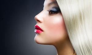 披肩长发外国美女侧面摄影高清图片