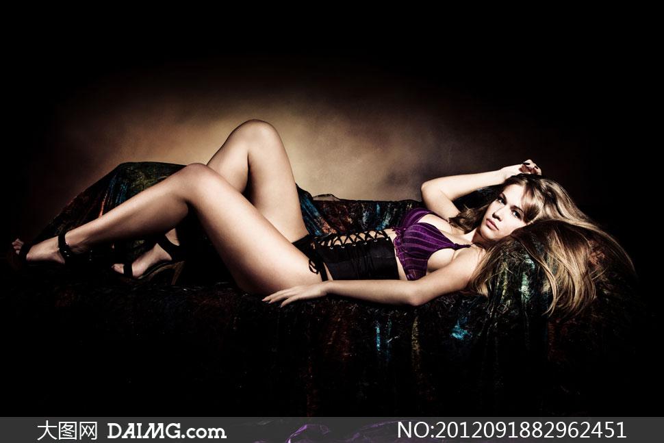 躺着沙发上的美女人物摄影高清图片 大图网设