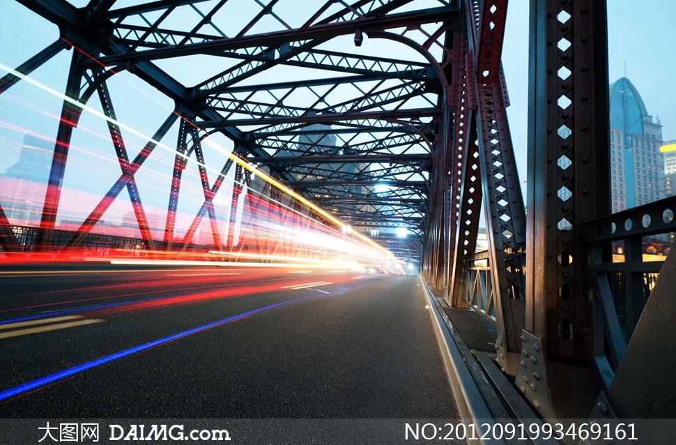 关键词: 高清摄影大图素材图片风景景观城市公路道路马路街道夜景