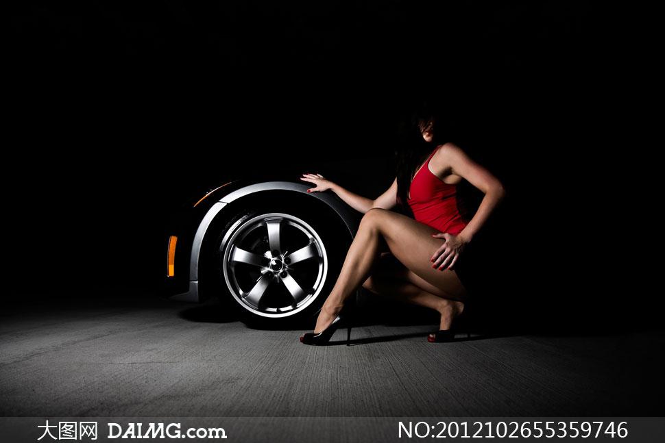 汽车轮胎性感美女人物摄影高清图片 大图网设